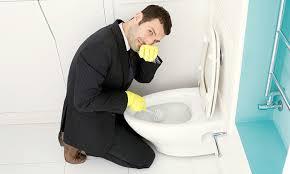 Nguyên nhân dẫn đến mùi hôi trong toilet