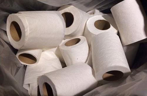 giấy vệ sinh kém chất lượng gây tắc nghẹt bồn cầu phải xử lý thế nào
