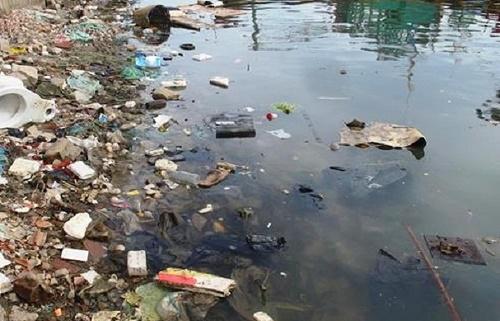 Rác thải gây ô nhiễm nguồn nước nghiêm trọng